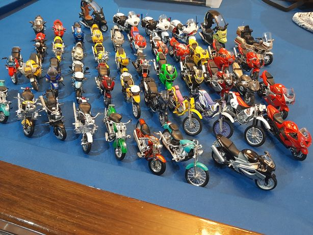 Miniaturas de motos de coleção escala 1:18