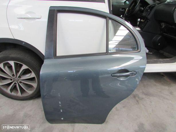 Porta Tras Esquerda Nissan Micra K13 do ano 2010