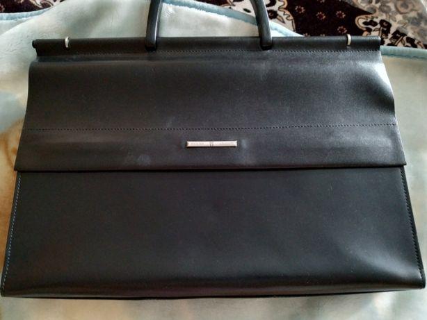Продам деловой женский портфель Wanlima в отличном состоянии.