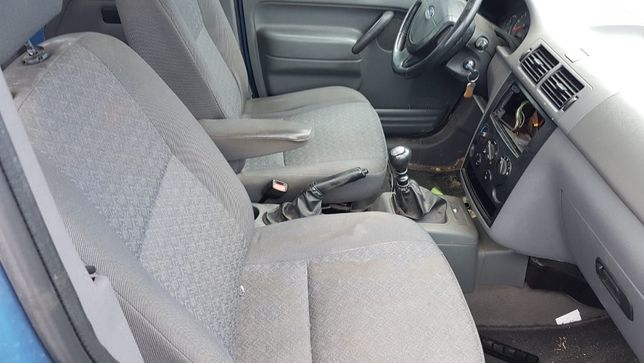 Fotele fotel Kanapa Siedzenia Ford Toureno Connect MK1