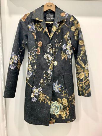 Женское пальто ,тренч