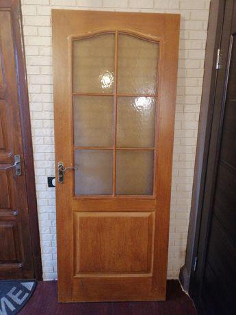 Продам межкомнатную дверь б/у со стеклом
