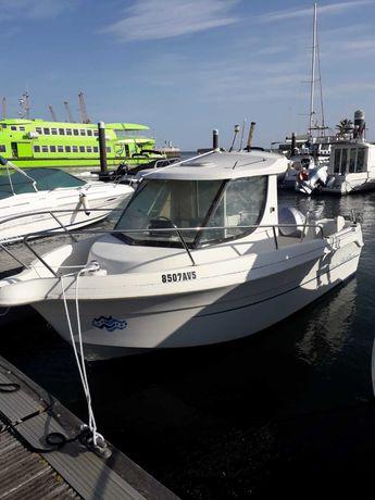 Barco cabinado Pesca /  Recreio / Motor Mercury 75 2 tempos