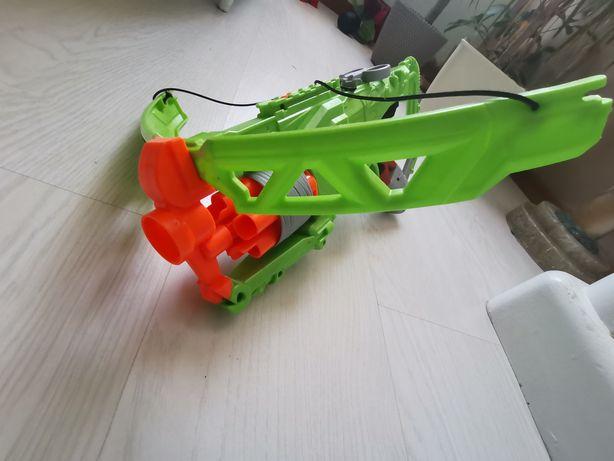 Lançador Nerf Zombie strike Outbreaker bow