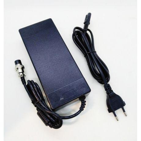 Carregador de Bateria Trotinete 52v 2.0A