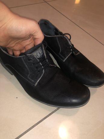 Lasocki  eleganckie buty męskie- skóra