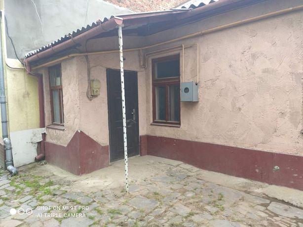 Продам або обміняю на Ужгород однокімнатну квартиру в центрі Мукаче