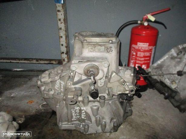 Caixa velocidades avariada para peças de Peugeot 3008 1.6 2.0 hdi (2013) 20EA07