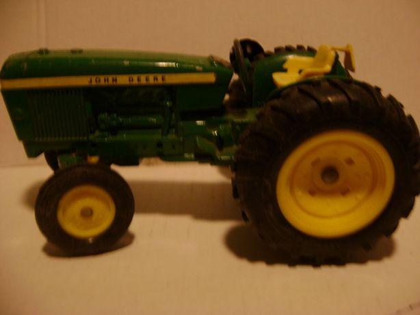Traktorek kolekcjonerski