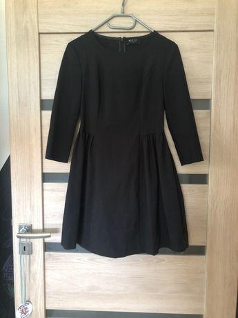 Czarna sukienka Mohito rozm.36
