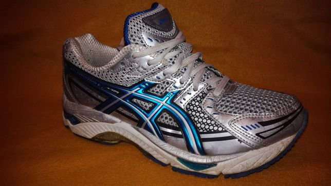 Buty Asics 40(26) Gel-Evolution 6