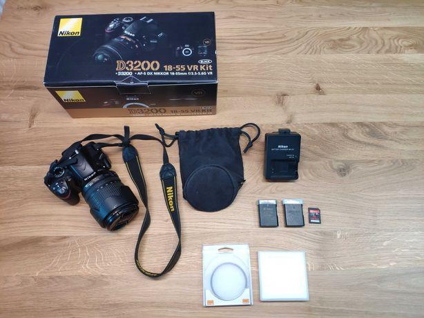 Nikon D3200 + 18-105mm + akcesoria, przebieg 12000