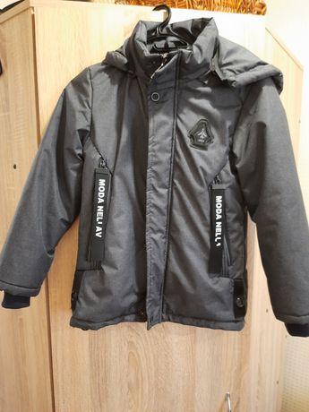 Весняна куртка на р. 128 см