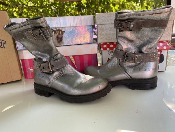 Кожаные ботинки  для девочки 26 размер
