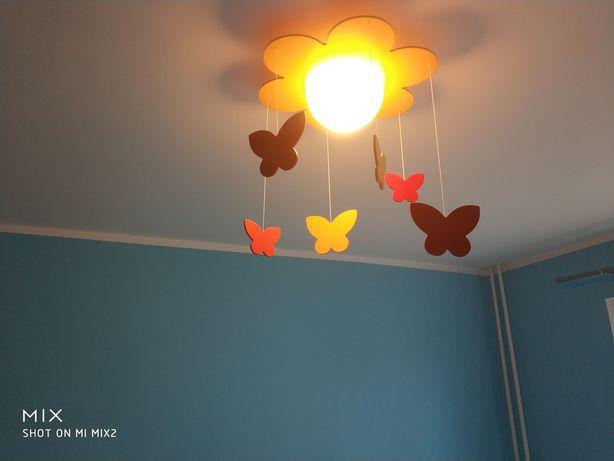 Lampa wisząca dla dzieci kwiatek z motylkami