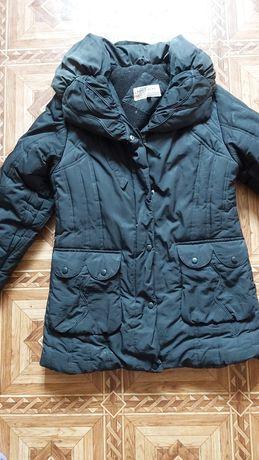 Курточка-пуховик с капюшоном, размер М