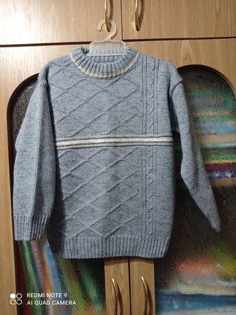 Теплый свитер на 5-7лет