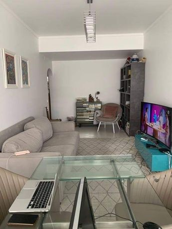 Apartamento para arrendar Almada
