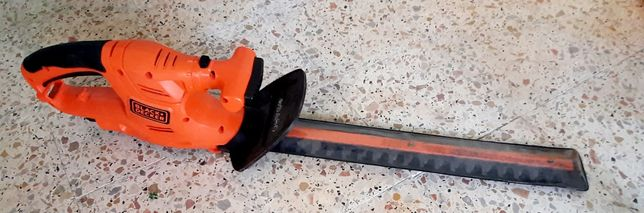 Corta-sebes eléctrico Black&Decker