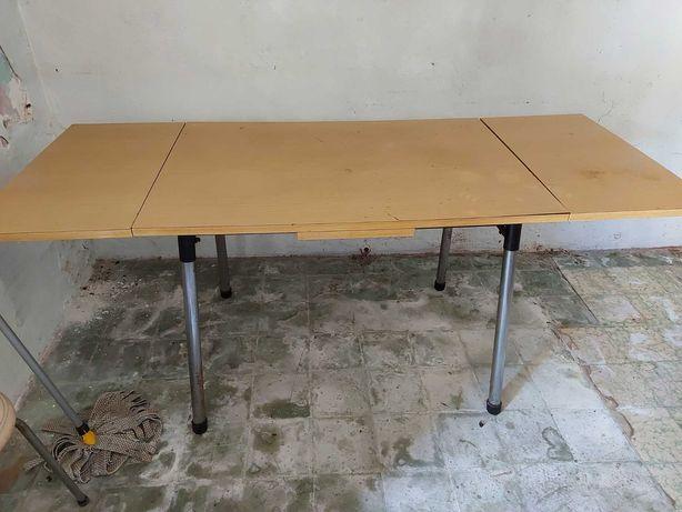 Mesa em madeira extensível