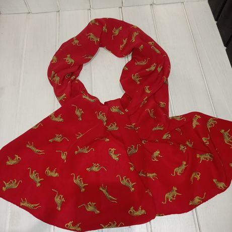 Шелковый красный шарф в ягуарах. Silk шёлк платок
