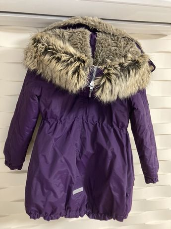 Зимняя курточка на девочку 122 р.