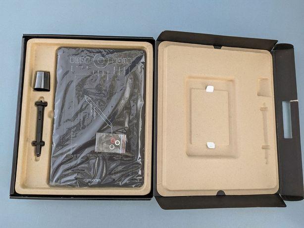 Графічний планшет. WACOM Intuos Pro Medium. PTH-651 Ваком Інтус Про