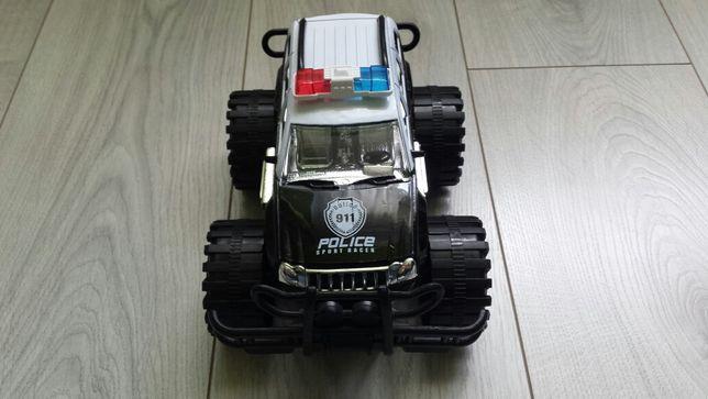 Auto terenowe policja