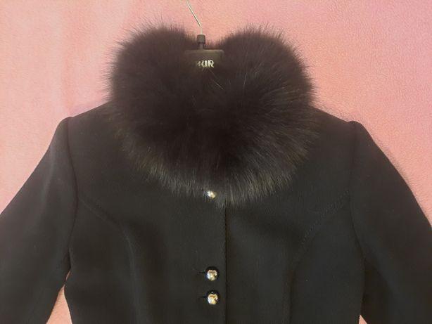 Женское зимнее пальто 46 размера