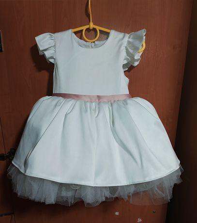 Продам детское платье на годик