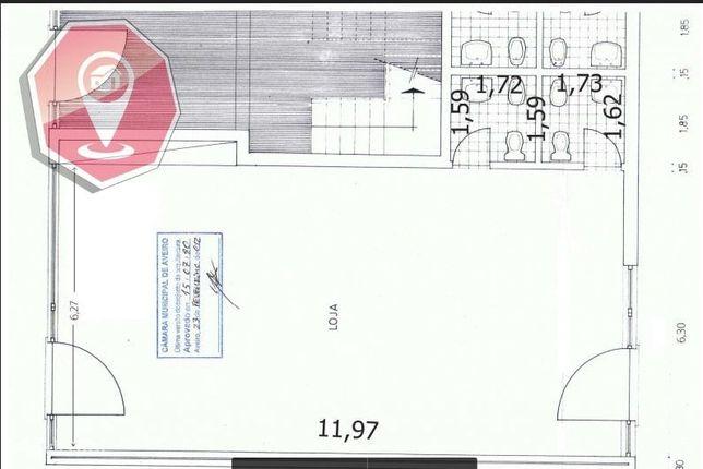Loja no Centro de Esgueira c/90 m2