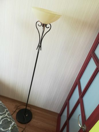 Lampa stojąca styl rzymski