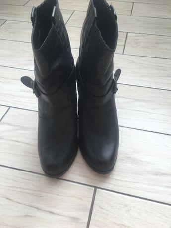 Продаю чоботи