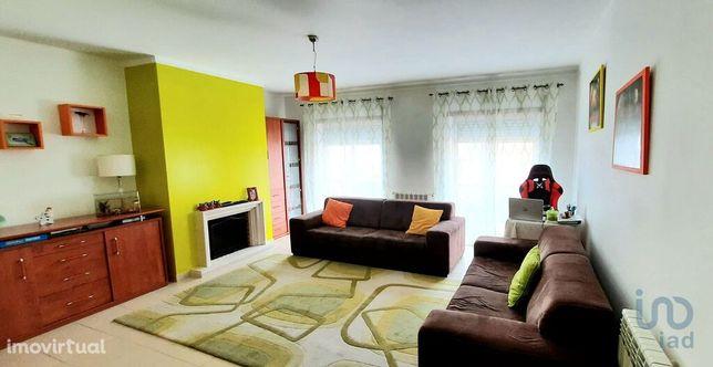 Apartamento - 124 m² - T3