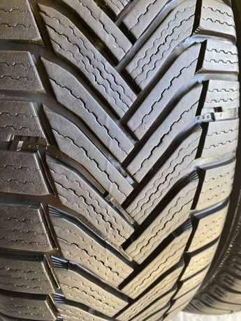 Michelin Alpin 6 215/60 R17 100H