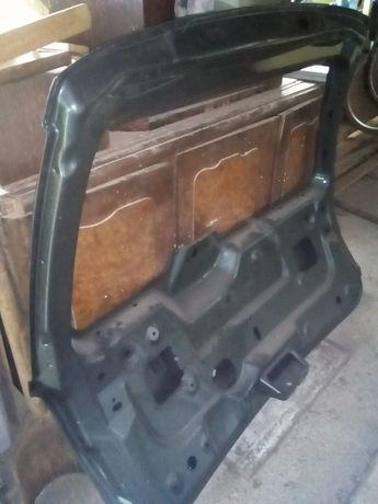 Klapa bagażnika Chrysler Voyager IV