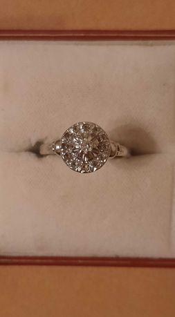 Przedwojenny złoty pierścionek z diamentami. Antyk.