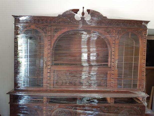 Móvel louceiro em madeira