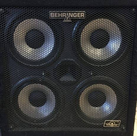 Coluna / Cab de baixo Behringer