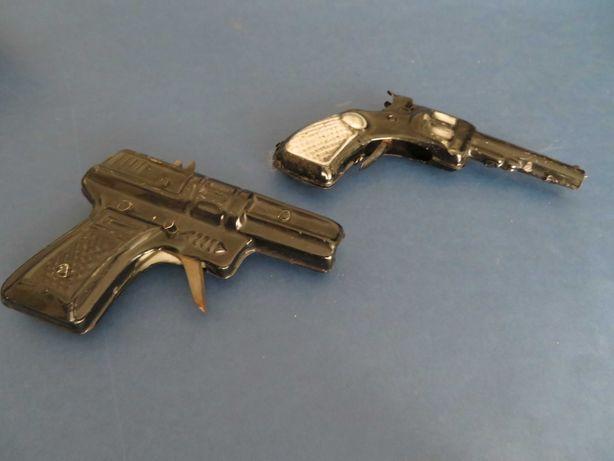 vendo dois brinquedos antigos portugueses (pistolas)