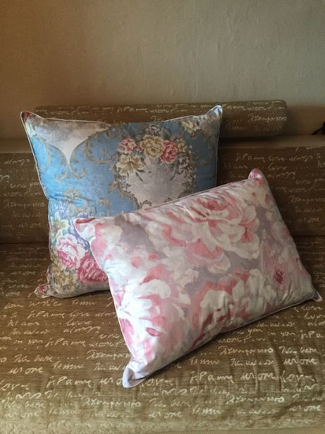 Пуховые подушки и одеяло новые.