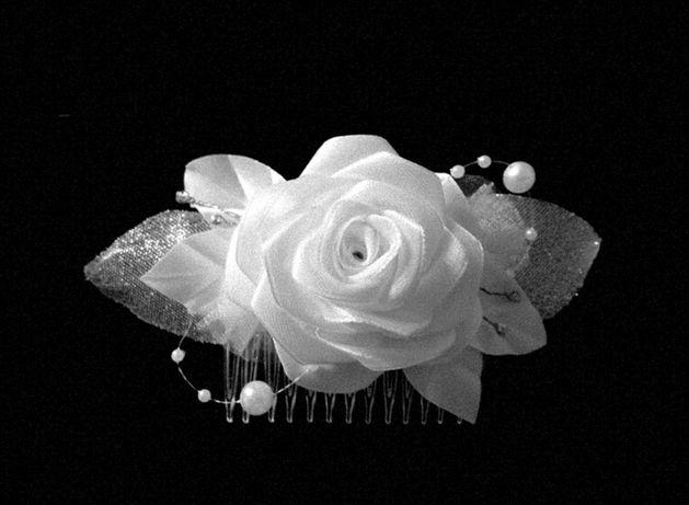 Stroik do włosów, ozdoba, biała róża