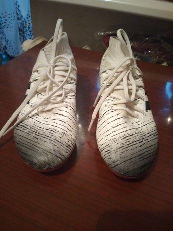 Обувь футбольная