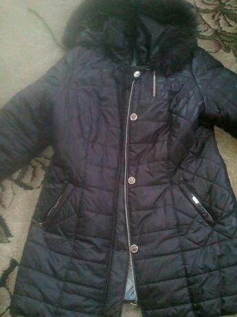Продам зимнюю курточку 54-56 размера.