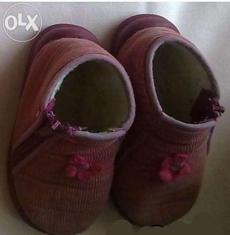 Sapatos tamanho 23