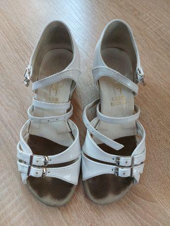 Продам туфли для бальных танцев