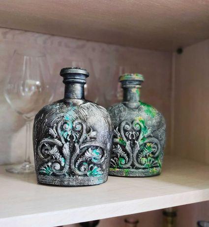 пара декоративных бутылок