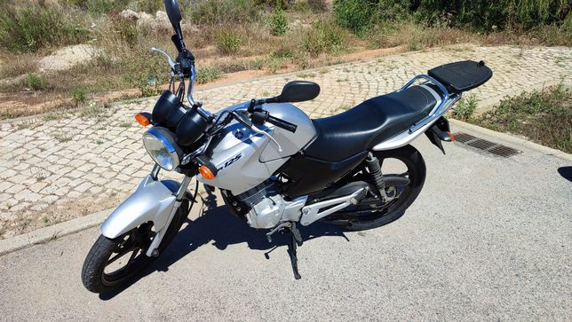Yamaha YBR 125 apenas 7mil kms