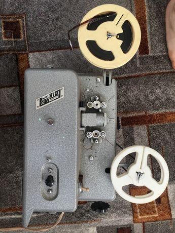 Продам радянський проектор 8п-1 в робочому стані