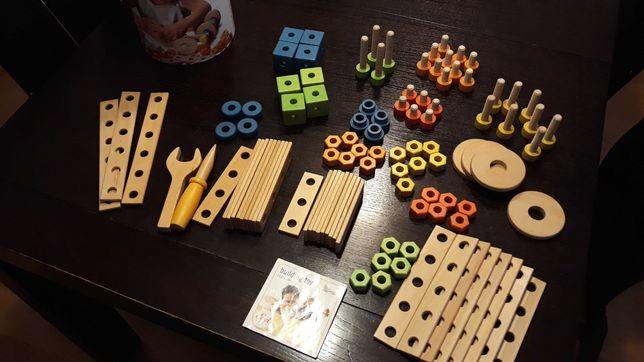 Zestaw klocków konstrukcyjnych wiaderko 104 części